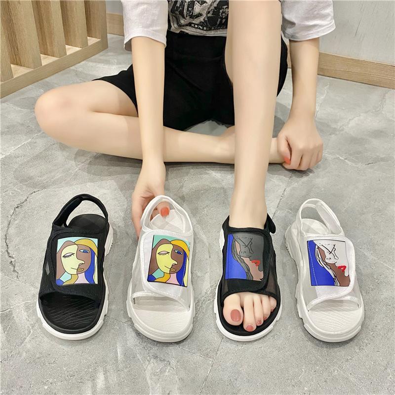 أحذية أزياء الصيف أنثى تنفس صافي القماش شاطئ رياضة المرأة الصنادل المفتوحة الأصابع منصة شبكة الأوتاد ربط الحذاء حتى صندل