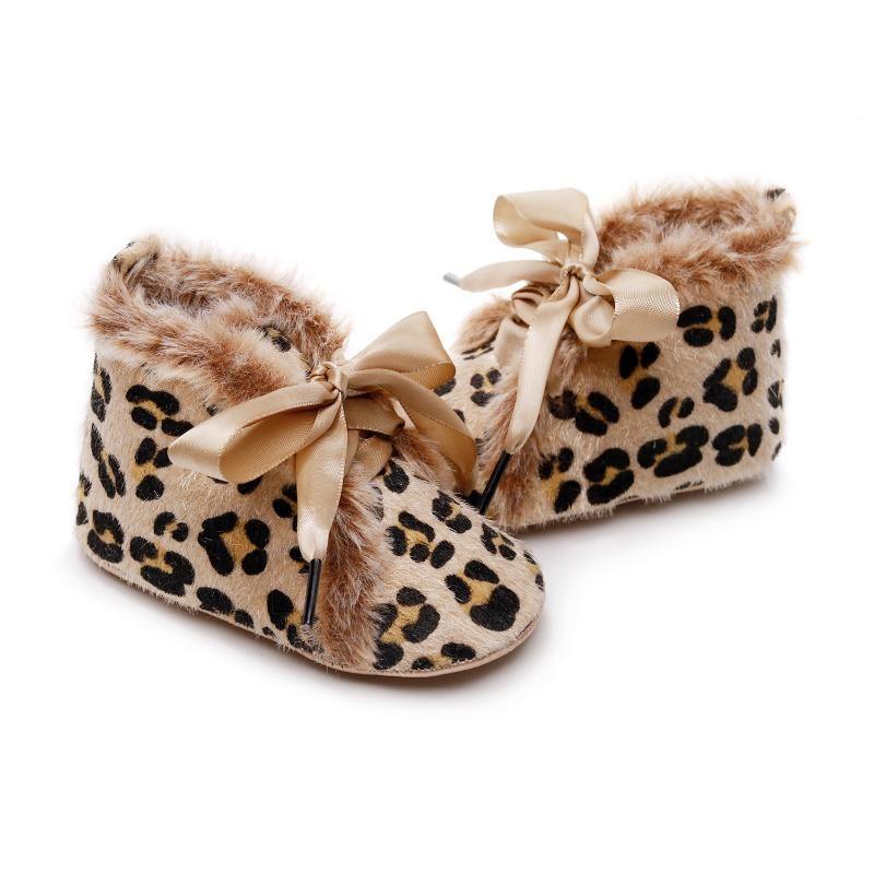 Scarpe neonato ragazzi delle neonate Scarpe Fuzzy inverno caldo Primi camminatori di Santa XMas Lace Up Baby 0-24month