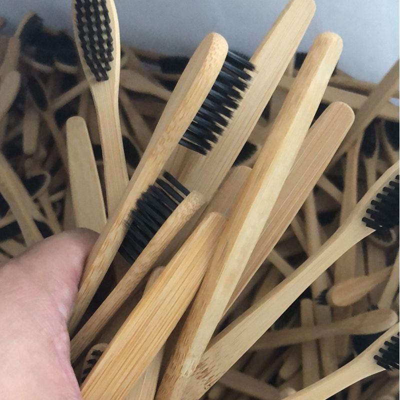 brosse à dents en bambou poignée de plat pas cher poils doux logo personnalisé FDA testé BPA écologique avec étui en papier kraft