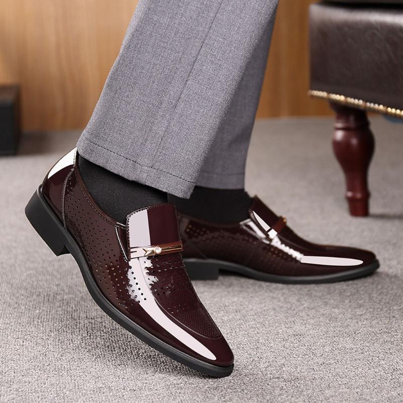 2020 New Dress Homens de Negócios sapatos formal de moda do casamento da qualidade PU de couro Sapatos Oxford respirável Sapato de bico fino deslizar sobre Flats