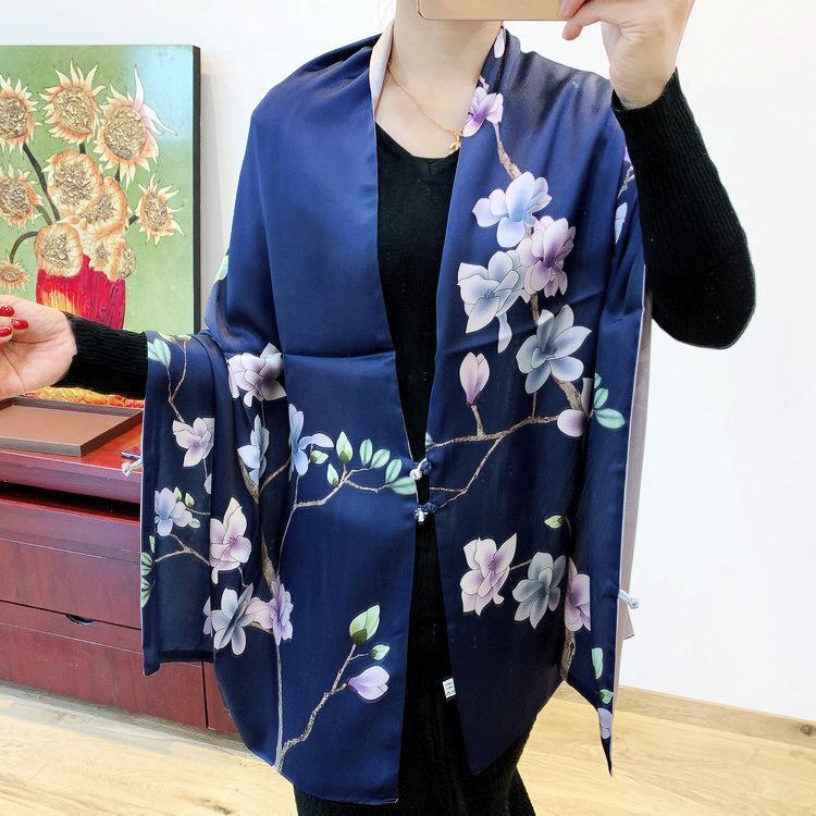 Nouveau Moyen Guofeng double face double couche Mo Lan Di Système couleur à la main Boucle écharpe en soie Châle long argent satin Foulard en soie
