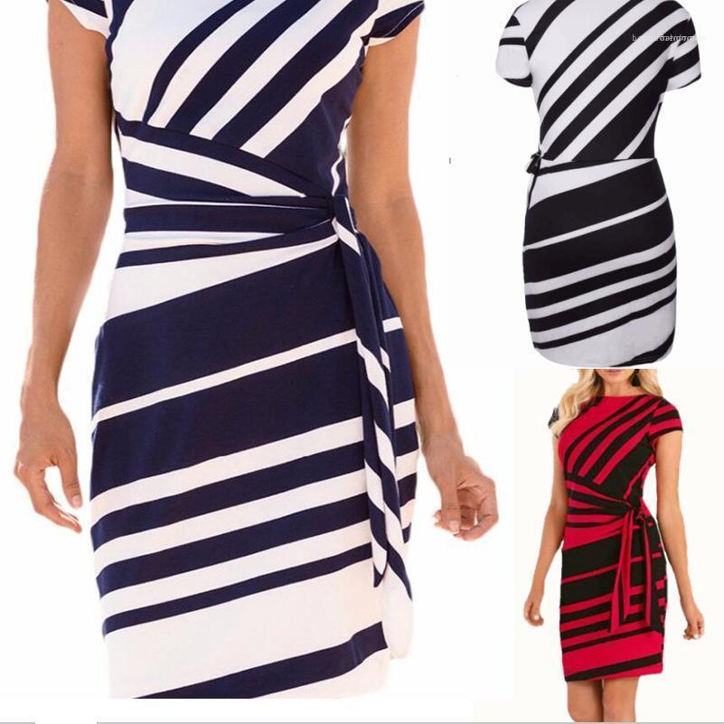 Robe de haute qualité Femmes Femmes Designer Robe d'été Mode de travail Crayon Stripe Casual Party O-Neck Mini