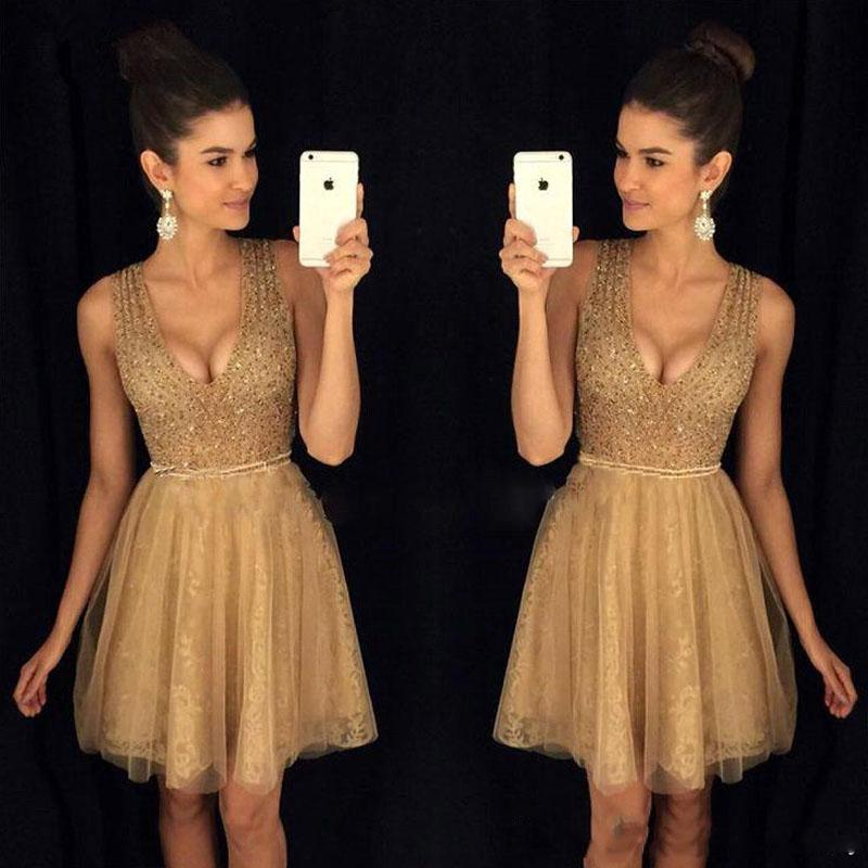 2020 New Arrivals Beaded V-Neck Cocktail Dresses Lace Tulle A-line Homecoming Graduation Dress Sexy Backless Short Party Gowns