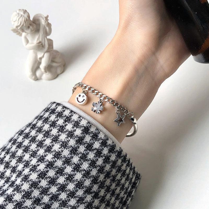 pAUfe Dongdaemun orso sorriso stella ciondolo gomito femminile argento S925 freddo vento gioielli Internet Celebrity ciondolo braccialetto