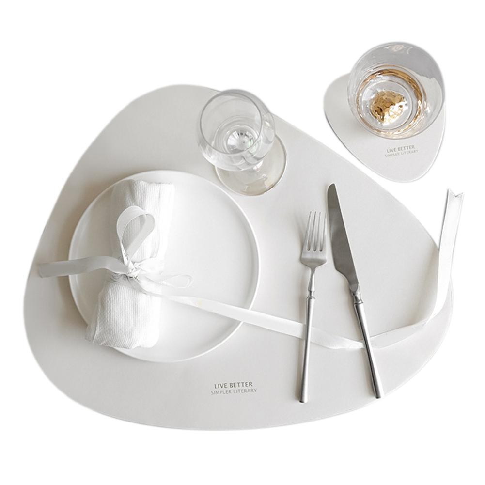 Mutfak Nordic Stil PU Deri Placemat Seti Su geçirmez Üçgen Yıkanabilir Çanaklar