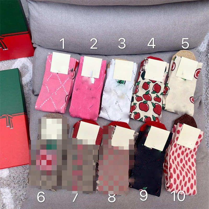 Nuovo mela d'oro calzini della discussione per le donne di lusso lettere modello Womens Stocking ragazze dolci regali di Hiphop Sport calzino di natale