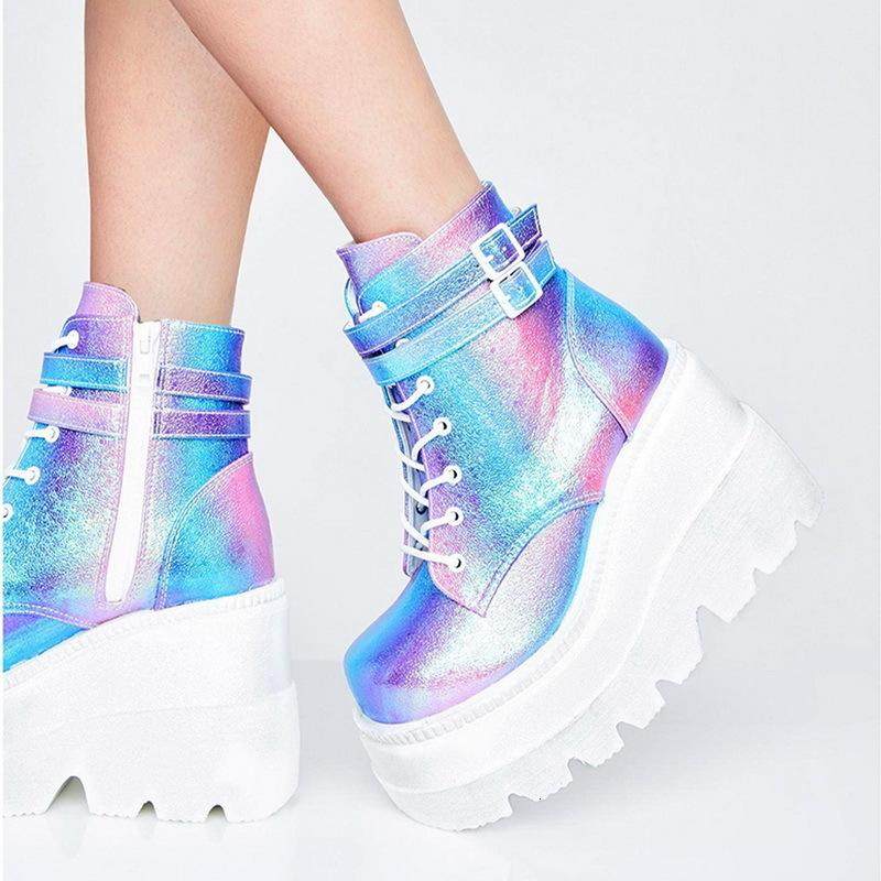 Mode d'hiver Bottes en cuir haute plate-forme haute Wedges Bottines Femme Nouvelle Collection Nouvelle Femme Style Punk chaussures de talons hauts pour femme