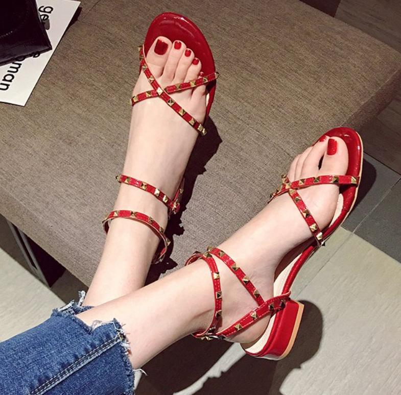 Summer Fashion Mulheres sandálias de dedo aberto fivela Mulher das senhoras Sandalie sapatos de saltos Feminino calçado Sandálias