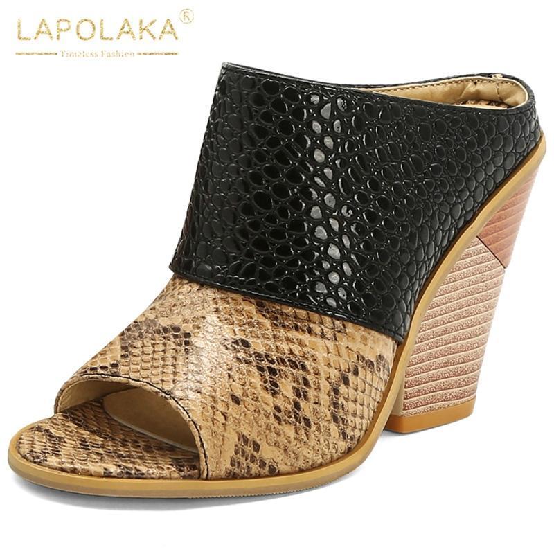Elbise Ayakkabı Lapolaka 2021 Toptan Moda Marka Yüksek Topuklu Büyük Boy 48 Takozlar Kadınlar Yaz Sandal Terlik Katırları Kadın Pompalar