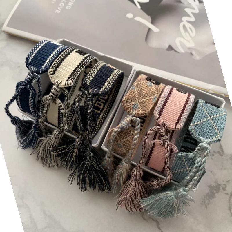 Joyería de lujo del diseñador pulseras Hombres Mujeres Moda trenzada borla pulsera 34 alta calidad del estilo de los amantes bordados pulsera del diseñador