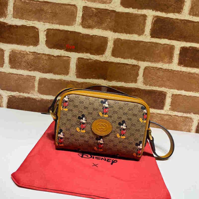 Klasik bayan tek omuz çantası 7A high-end özel kalite diyagonal çapraz çanta moda stil 1 İş rahat tarzı altın metal AKSESUARLA