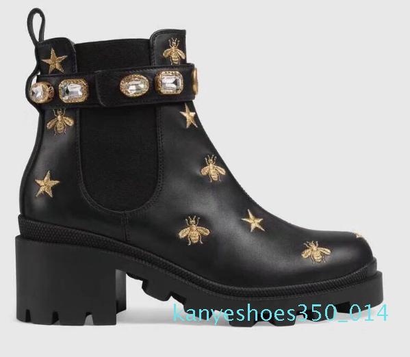 2018 mujeres del diseñador de los zapatos ocasionales del dedo del pie botas de moda británica Ronda Martin botas de hebilla de correa Chunky talón toca con la punta de la Ronda bordado Boots K14