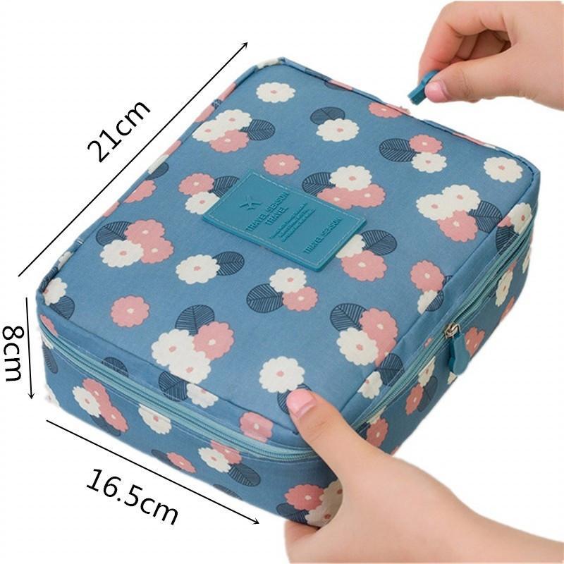Multifuncional Mulheres Makeup Bag Nylon Cosmetic Bag Beauty Box Viagem Organizer para artigos de higiene Bag Kits de armazenamento Wash Make Up Cases