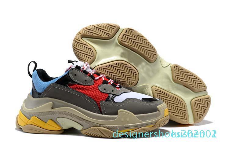 2020 Fashion Paris 17FW Triple-S Sneaker Triple S beiläufige Dad Schuhe für Männer Frauen Beige Sport Tennis Luxuxentwerfer Laufschuh AE01 d01