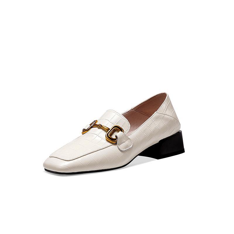 INS Kadınlar doğal deri ayakkabı artı boyutu Kare kafa taş, metal dekorasyon kadın ayakkabıları Avrupa ve Amerika kabartmalı pompaları