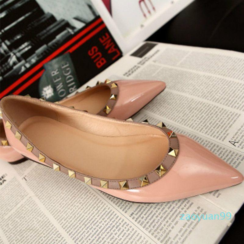 Sıcak Satış-Yeni Kadın Flats Ayakkabı Moda Perçinler Kız Sivri Burun Ayakkabı loafer'lar zapatos de mujer Kadınlar Terlik İçin Partisi Slip On Ayakkabı Elbise