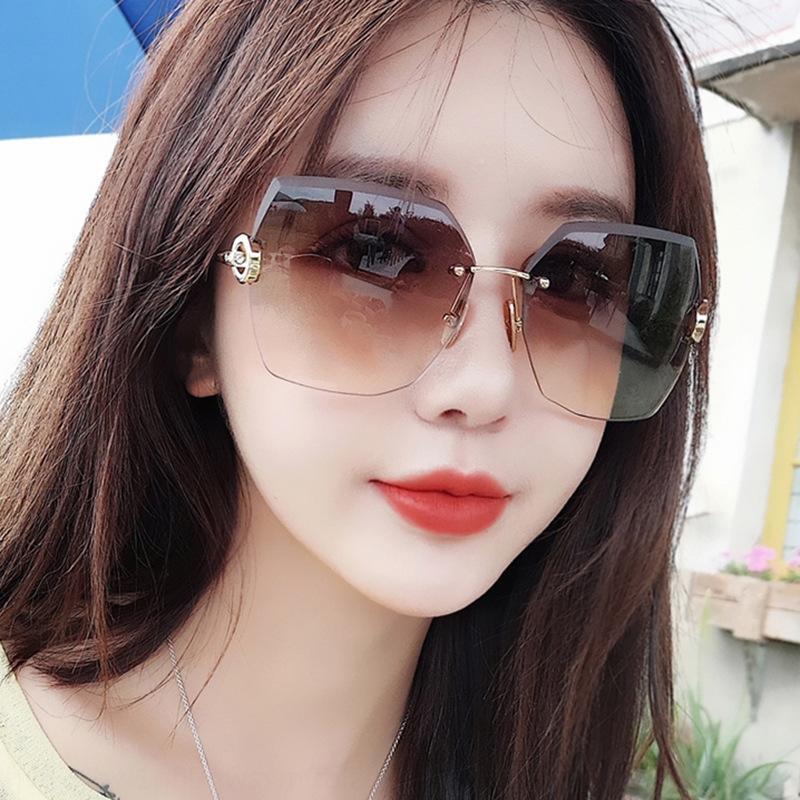 celebridade Internet personalizado sol 2020 novos óculos de sol óculos de metal sem moldura das mulheres aparadas moda de rua tiro yQ5Wx