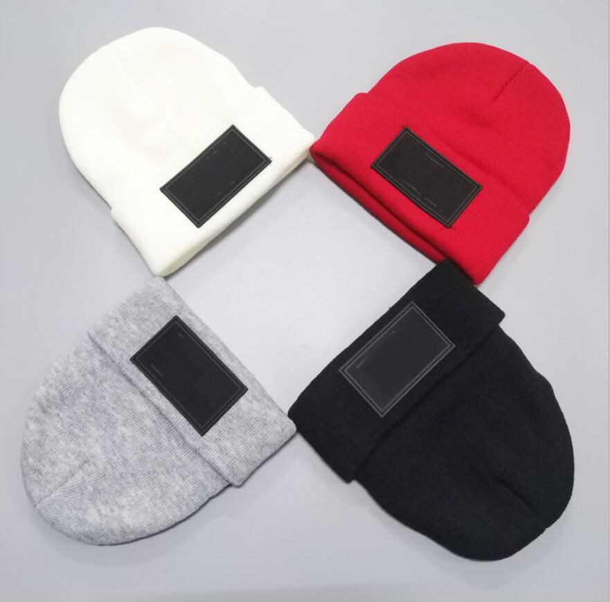 Новый бренд Вязаные шапки 4 цвета Мода Шляпы Hip Hop Письмо Вышитые шапочки унисекс зимние шапки
