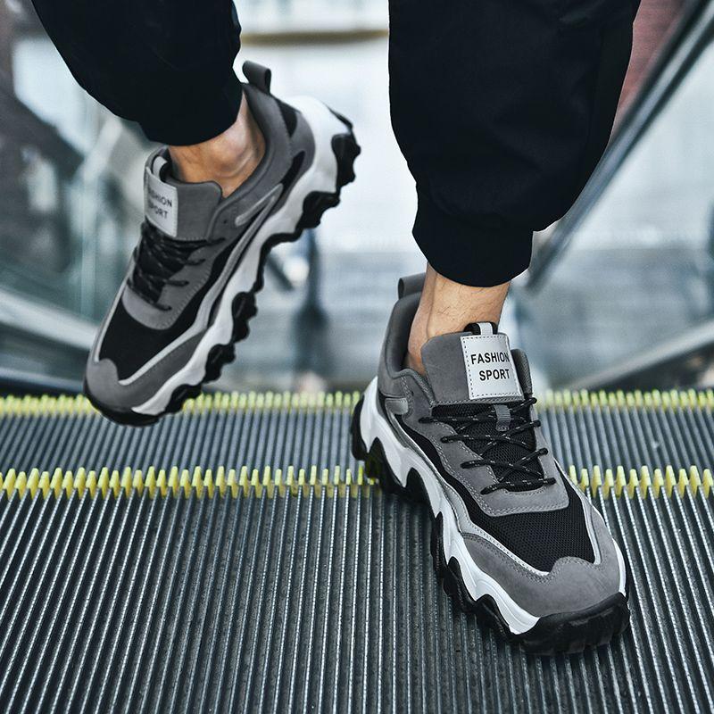 Мужчины конструктор Дышащие кроссовки Черный Белый Повседневная обувь Мода Нескользящие Walking кроссовок Летняя Обувь мужская