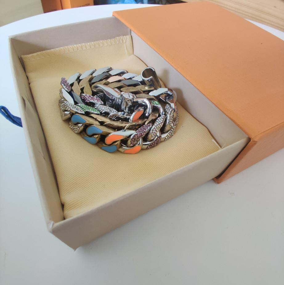 Neues Produkt für Paar-Halskette und Armband-Halskette Modischer wilder Halsketten-Qualität Titan Stahl Statement Senden Box