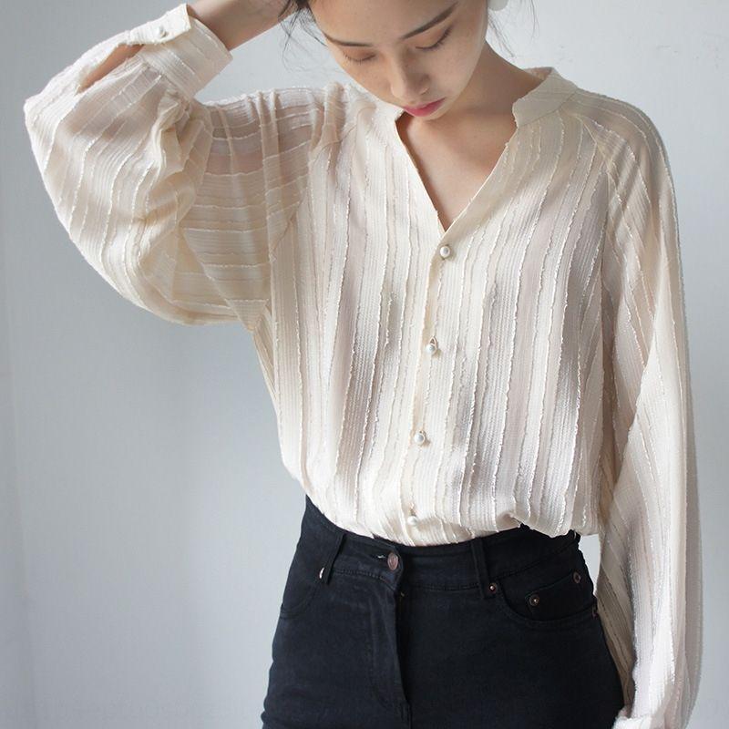 DkWbl 2020 nueva leche de albaricoque V-cuello de la textura vertical de suelta de manga larga suave camisa de la linterna de la linterna de hadas elegante semitransparente
