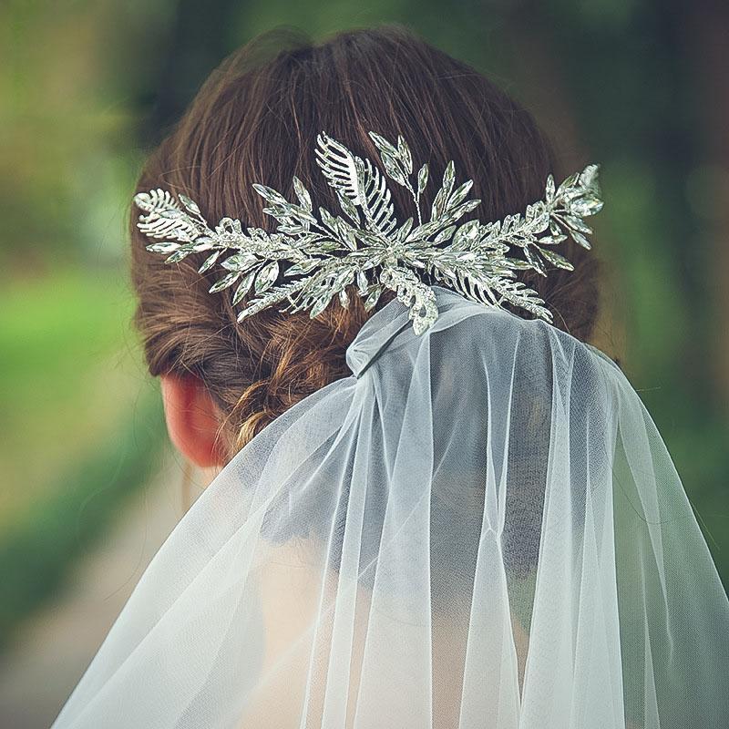 La joyería nupcial de la hoja Floralbride color claro de la aleación de plata del Rhinestone cristalino del peine del pelo de la boda del tocado de los accesorios del pelo de las mujeres