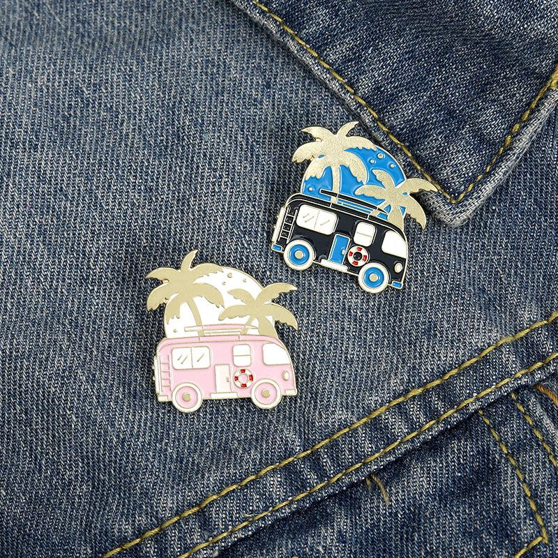 Travel Cartoon Enamel Lapel Pins Hawaiian Coconut tree Bus Brooches Badges Fashion Pins Gifts for Friends Pins Jewelry Wholesale