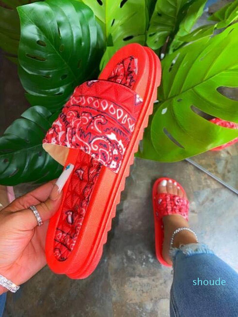 Chaude solde-plate-forme pantoufles de plateforme femme sandales d'été chaussures maison glissière intérieur extérieur extérieur chaussures de sport loisirs flip tongs femmes mode beac