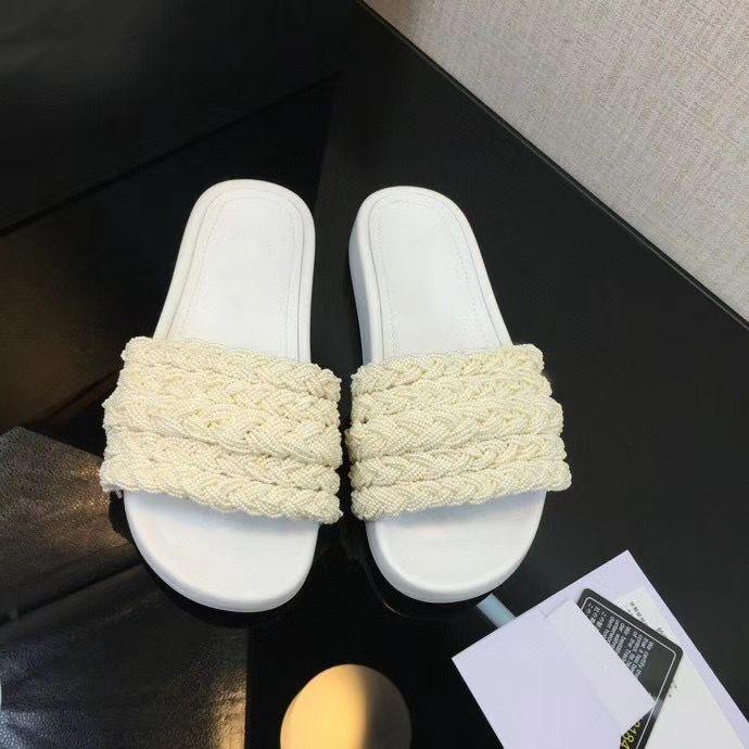 Kadınlar Katır Sandalet İnciler Kürsörler stuffies Üst Kalite Kuzu derisi Siyah Beyaz Düz Terlik Ladies Beach Kauçuk Kapak Kutusu ile Floplar