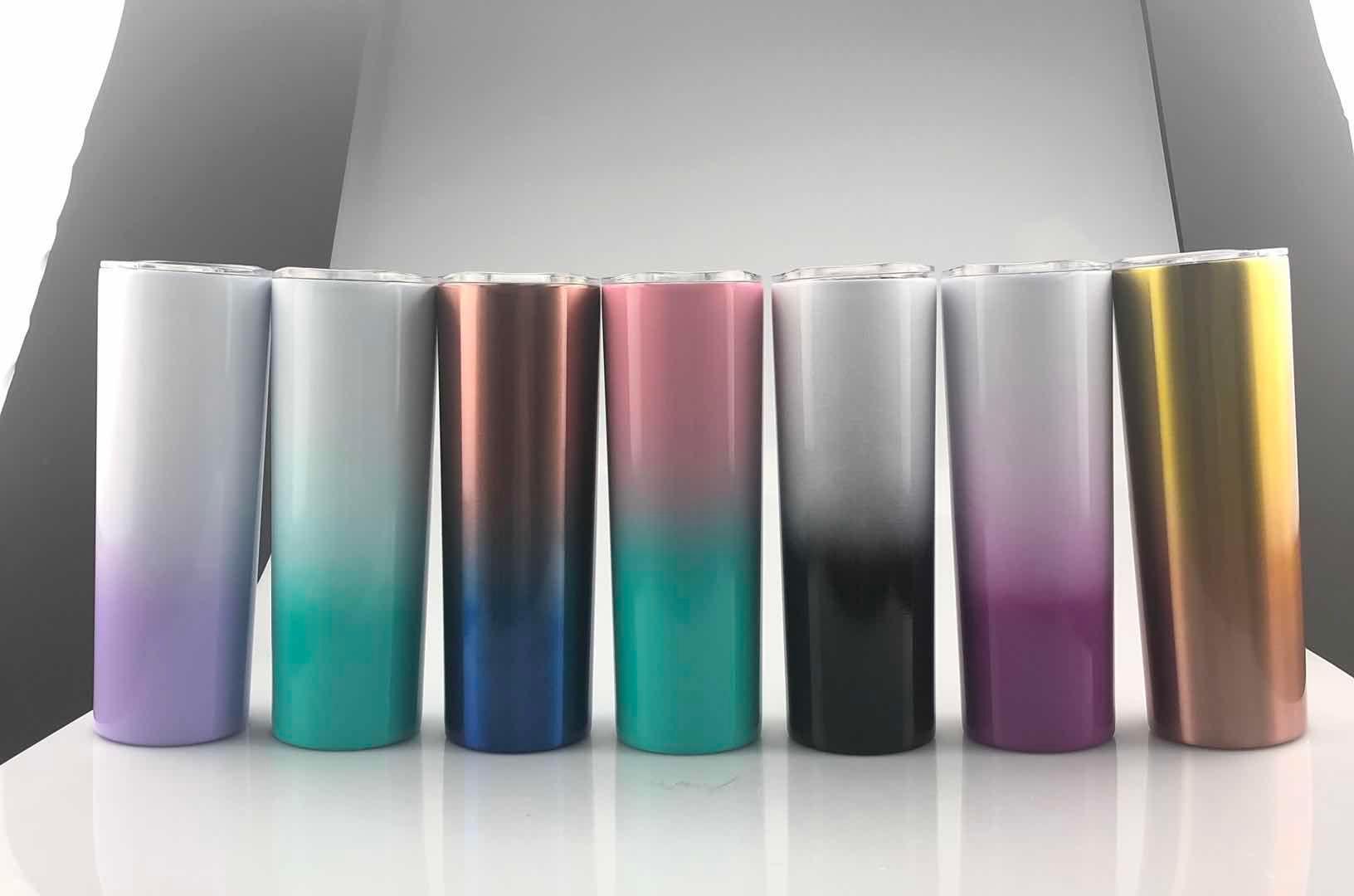 Più economica 20 once ombre magro bicchiere sfumatura di colore a doppia parete in acciaio inox coibentata bicchiere con paglia e coperchio