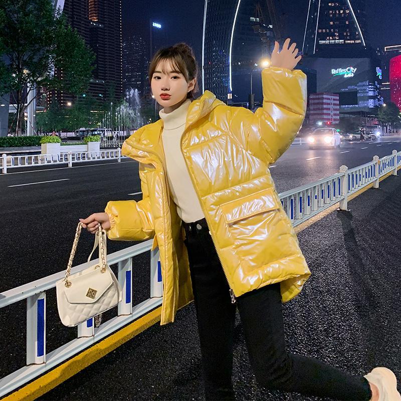 2020 Nova Inverno Mulheres soltas Sólidos Glossy casaco com capuz acolchoado Cor Lady Casual Big bolsos da jaqueta MSFILIA