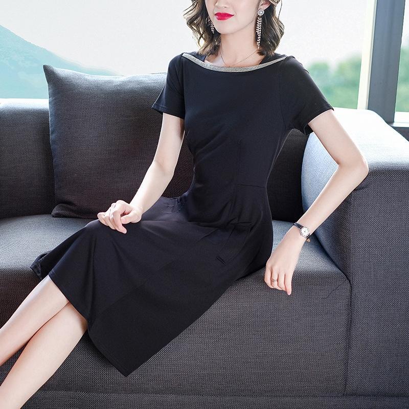 2020 robe d'été nouveau style de femmes d'été de style féminin mince intellectuelle Lussi de banlieue élégante mi-longueur de col carré