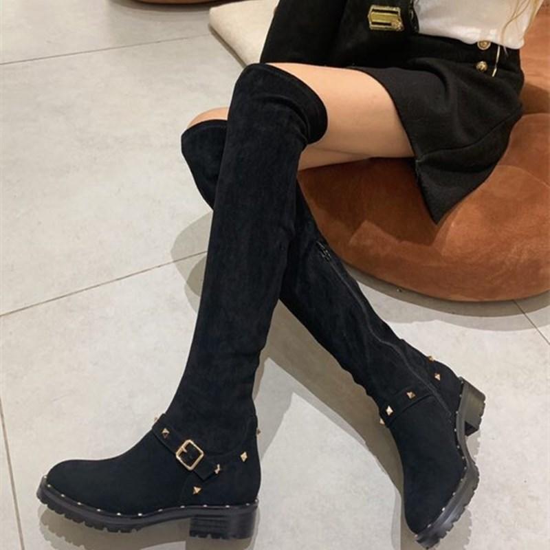 2020 outono inverno europeu e botas de rebite couro novo estilo britânico americanas alta tubo, mas no joelho plana cabeça redonda bonito cavaleiro versátil