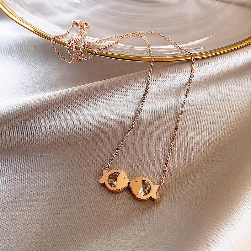Wholesale Summer New Rose Gold Love Fish Pendant Necklace Woman Simple Cute Clavicle Chain Anniversary Gift For Girlfriend 2020 Jewelry Diamond Heart Necklace Silver Chains From Buete 14 52 Dhgate Com