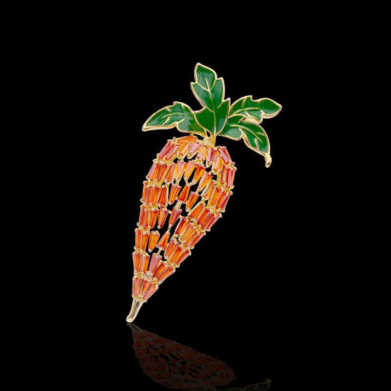 العلامة التجارية الأوروبية الفاخرة 18K مطلية بالذهب عالية الجودة الزركون الجزرة الصدار شخصية الاتجاه دبوس الإناث البرية مجوهرات للنساء الهدايا الراقية