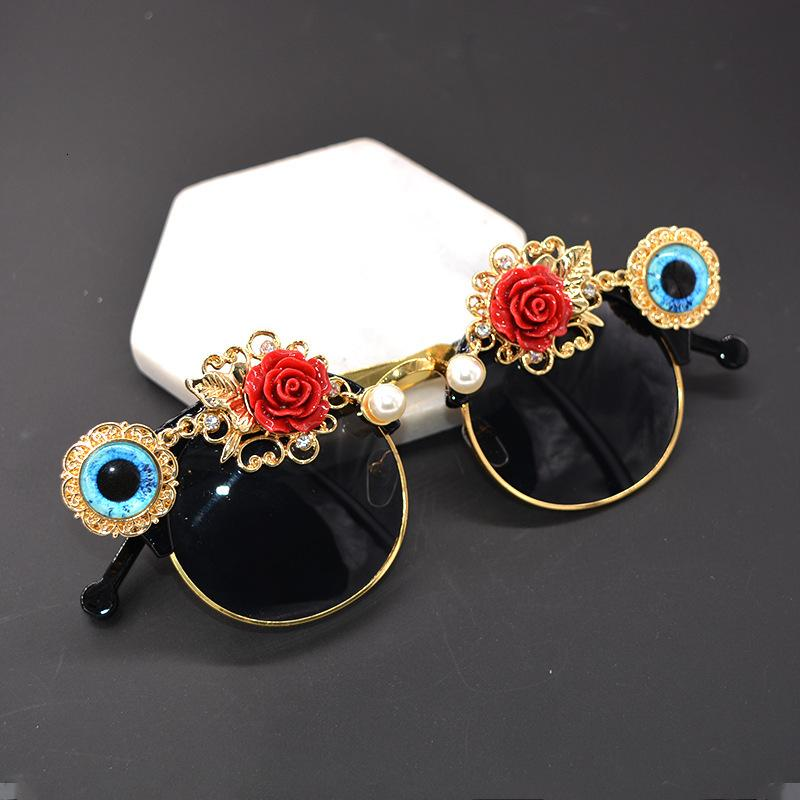 Cat Eye Sunglasses For Women Brand Designer Luxury Crystals Eyes Sexy Ladies Sunglasses Rhinestone Shades Feminino Ttowi