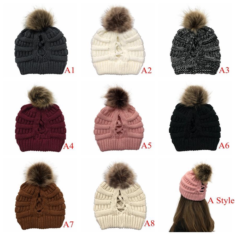 Kadınlar Örme at kuyruğu Criss Çapraz Pom Beanie Kış Sıcak Açık Kafatası Ayrılabilir Çıkarılabilir Ponpon Şapkalar Deniz Kargo DDA579 Caps