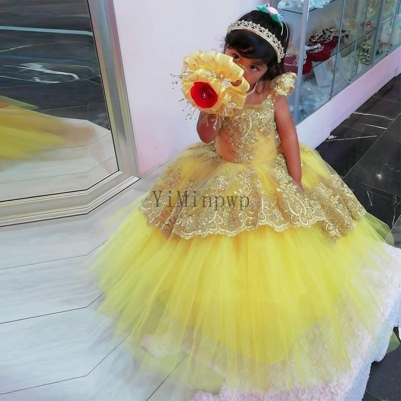 Amarillo de la bola del vestido vestidos de niña para Bodas tornillo de cuello de manga Cap Apliques Cuentas Niño fiesta de cumpleaños vestido del desfile de los vestidos de las muchachas