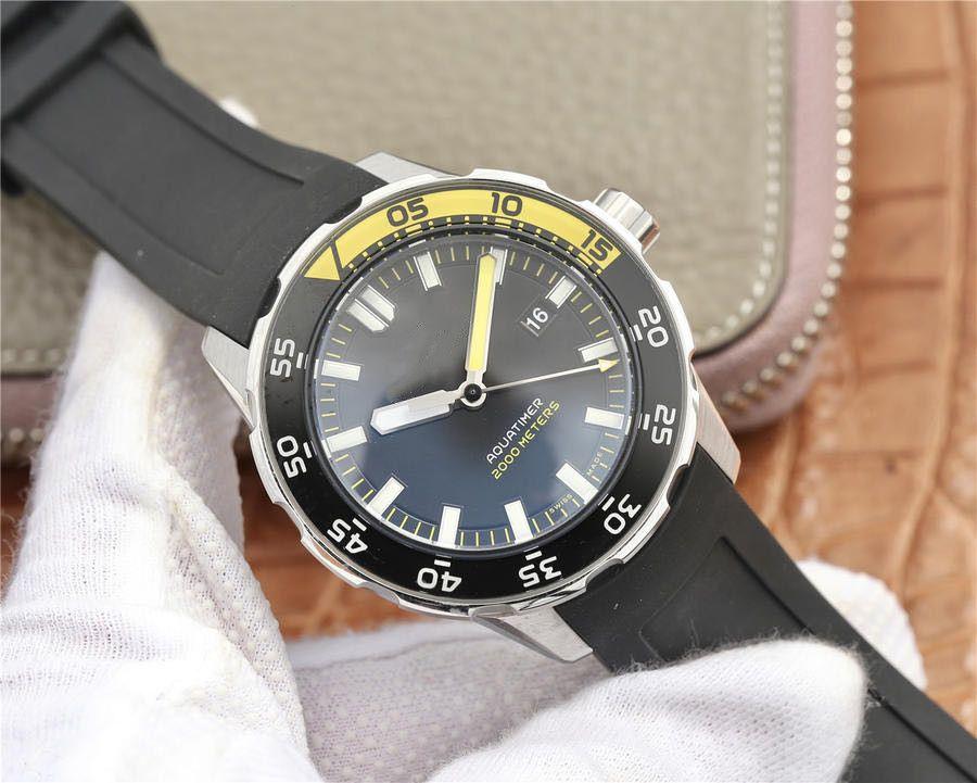 В 2020 годе, часы высокого качества для 40мм мужских водонепроницаемые силиконового ремешка, автоматическим механическим движением и закрыть нижние часы