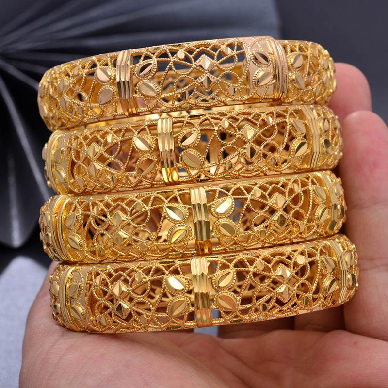 Großhandel Blume 4pcs / lot Farbe Gold-Armbänder für Frauen höhlen Mesh-Luxus-Armband weiblich Ethnische Gelbgold Farbe Charms Schmuck