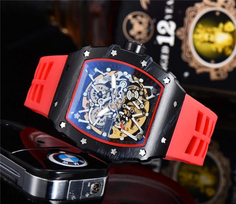 حركة أزياء الرجال الرياضة ساعة اليد الكلاسيكية تصميم الفولاذ المقاوم للصدأ رجالي ساعات رياضية التلقائية الميكانيكية ووتش الشريط المطاط ساعة MONTRE