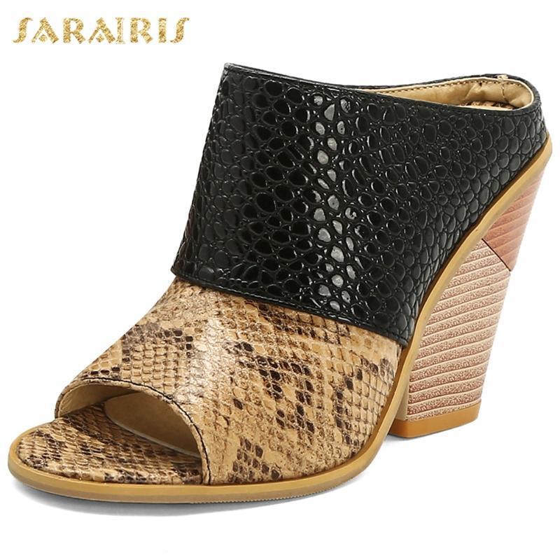 Sarairis 2020 Wholesale Fashion Brand Escarpin Big Taille 48 Compensées Chaussures Femme d'été Sandal Slipper Mulets Pompes Femme