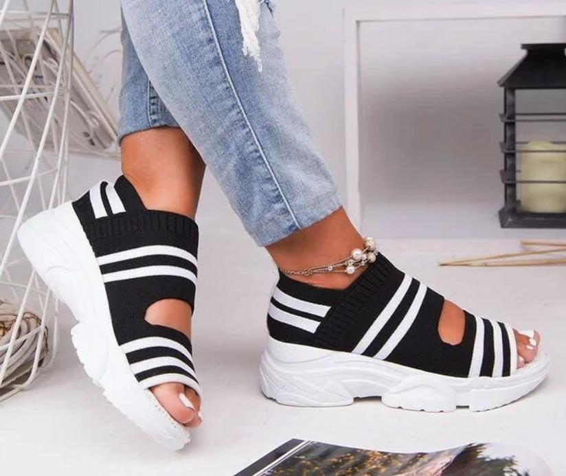 Kadınlar Yaz Casual Düz Platformlar Ayakkabı Kadın Açık Sandal Toka Kayış Düşük Topuk Kalın Dip Sandalet
