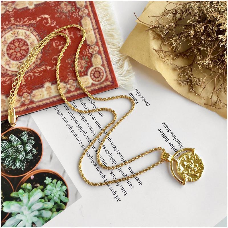 De haute qualité en titane plaqué or rose en acier or collier dames chaîne pendentif trèfle à quatre feuilles collier bijoux coquille