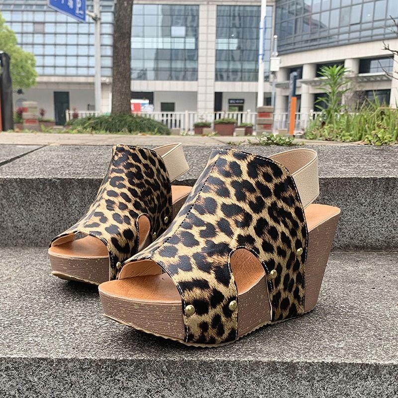 Mode-Plattform öffnet Zehe-Frauen Sandalen 2020 Sommer-Leopard-Druck-Keil-Sandelholz-Fisch-Mund-Absatz-Frauen