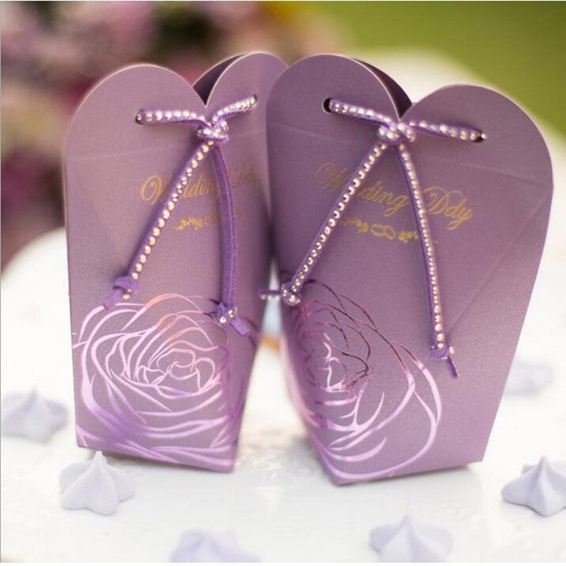 Romantische Liebe Herz-geformte Laser-Schnitt-Geschenk-Süßigkeit schachtelt Casamento Hochzeitsfestbevorzugung Mit Blink Seil Dekoration ZA1391