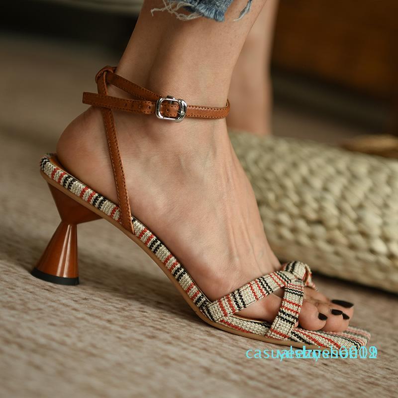 Ретро сандалии для женщин 2020 новых женщин сандалии площади Toe Высокие каблуки Свадебная обувь Мода лето Повседневная женская обувь y11