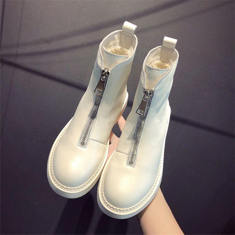 2020 Nueva mujeres ocasionales zapatos de invierno tendencia de las botas de las mujeres del cuero genuino de moda caliente cómoda suave caliente salvaje cargadores del tubo corto