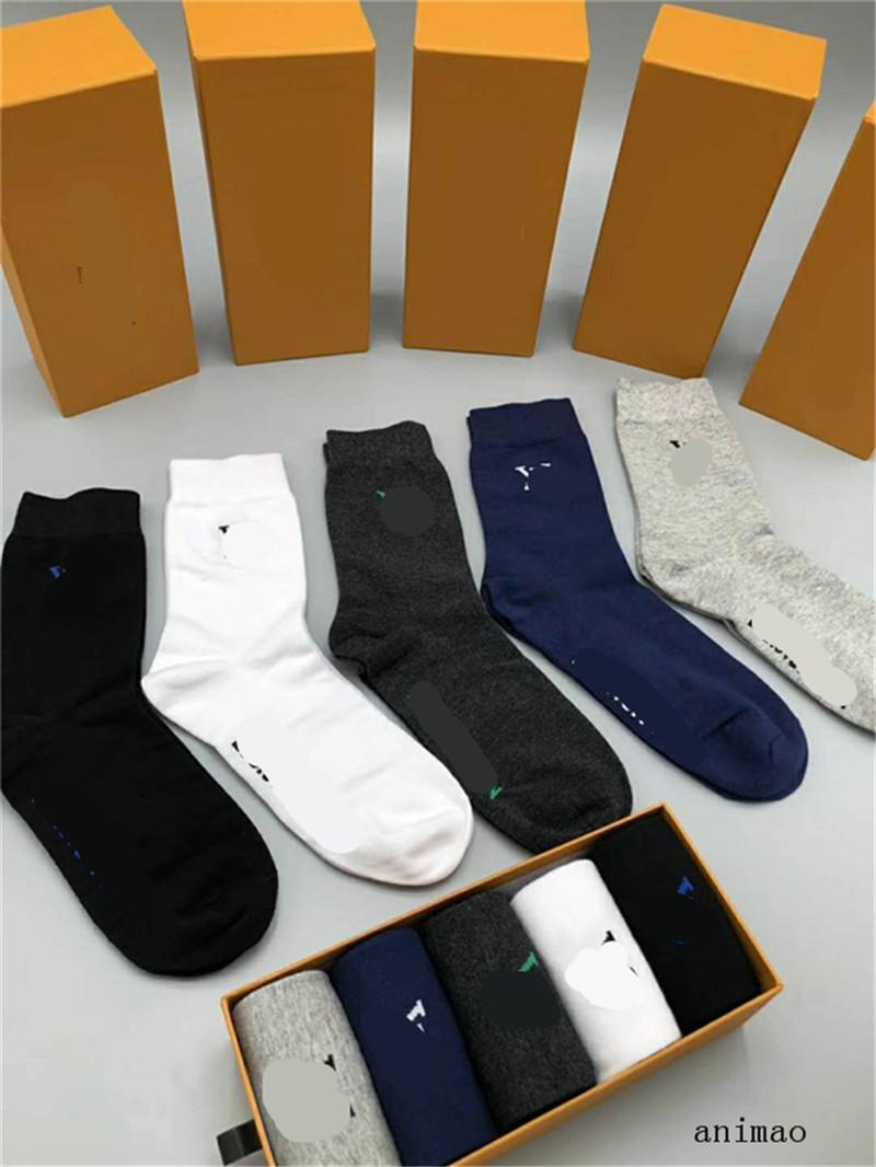 Qualité Coton Designs Chaussettes Chaussettes Hommes Mode unisexe Femmes Nouveau Couple Luxe Bas Skateboard Sport chaussettes d'affaires Stocking