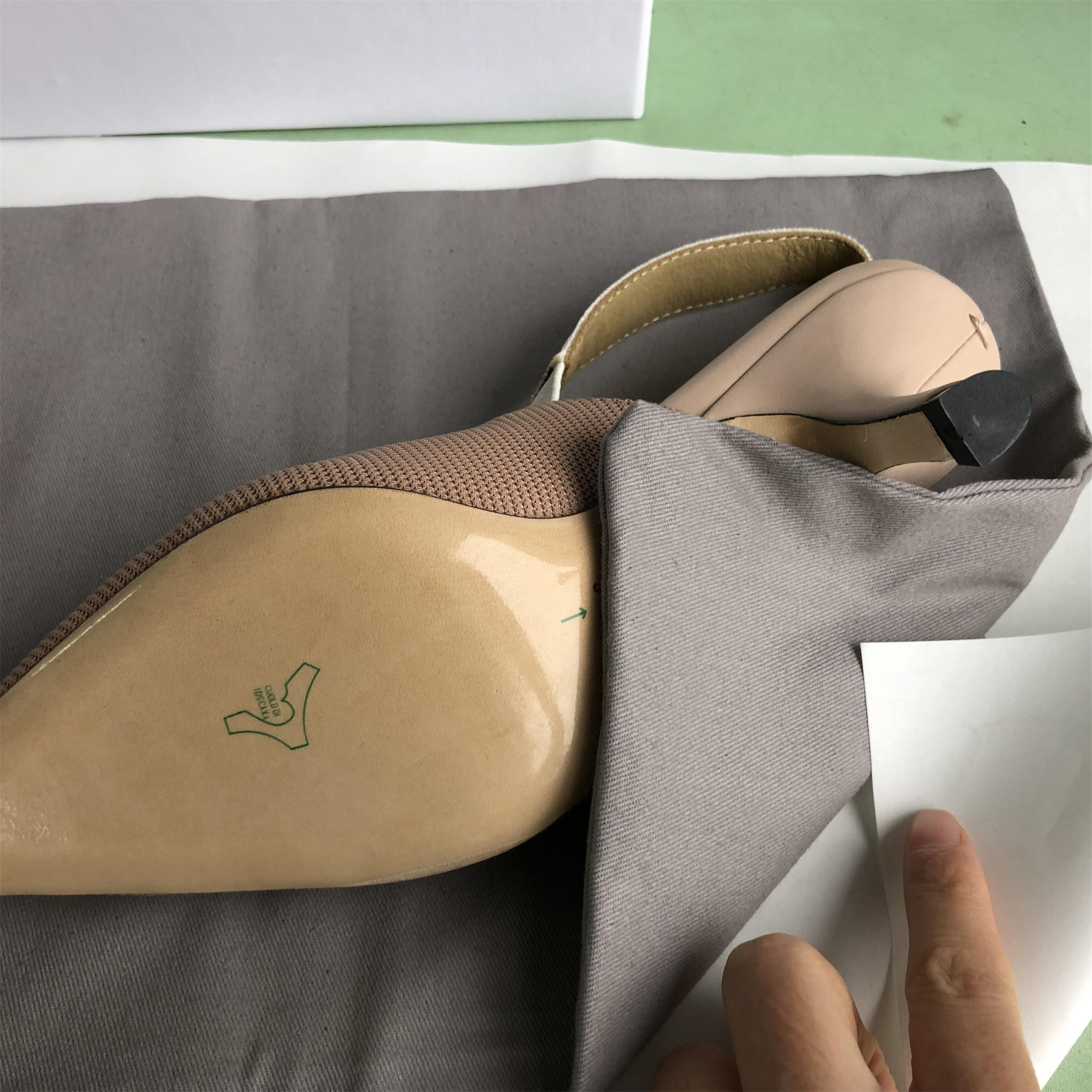 Nu Lettre Bow Noeud talon haut Chaussures Femmes piste bout pointu Chaussures talon bas femme Gladiaor Sandales femme Brand Design Chaussures plates Mesh 9.5CM